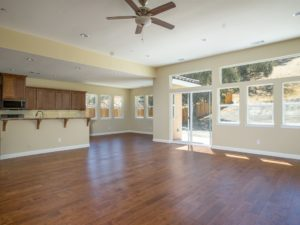 2640 Edgewood: living room 2
