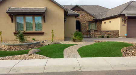 Transitional landscape: gravel stone and turf